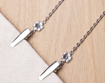 Napkin clip chain with silver flowers | serviette holder cord | napkin neck cord| Foodie gift | Dining accessories | Mask holder chain