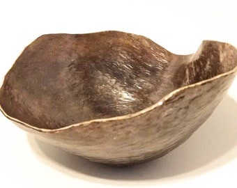 Hand hammered  copper offering bowl ready for seeds, magic, incense, acorns, your nature table... - druid, shaman, waldorf