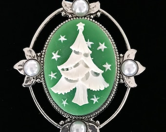 Christmas Tree Brooch - Cameo Brooch - Holiday Jewelry - Green Christmas Jewelry - Christmas Tree Pin - Pin or Pendant - Gift for Her