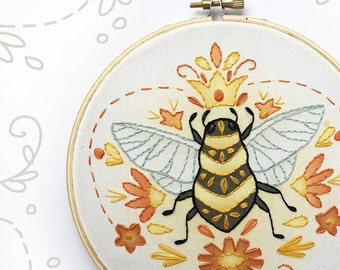 Queen Bee Beginner Embroidery Kit, Modern Hand Embroidery Hoop Art Design, DIY Sampler