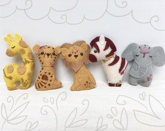 Sewing kit Jungle Animal Bunting Elephant Lion Giraffe Felt Baby Bedroom Nursery