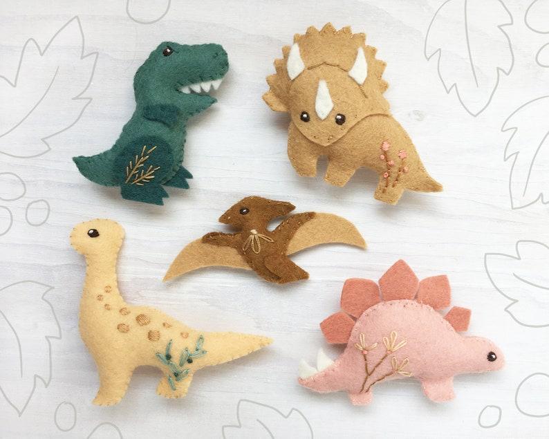 Dinosaur Felt Animals PDF pattern download SVG file Plush image 0