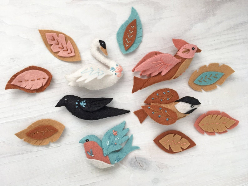 Birds and Feathers felt animals Sewing Pattern PDF download image 0