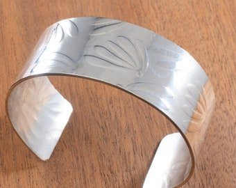 Sterling Silver Cuff Everyday Bracelet With a Delicate Floral Impression