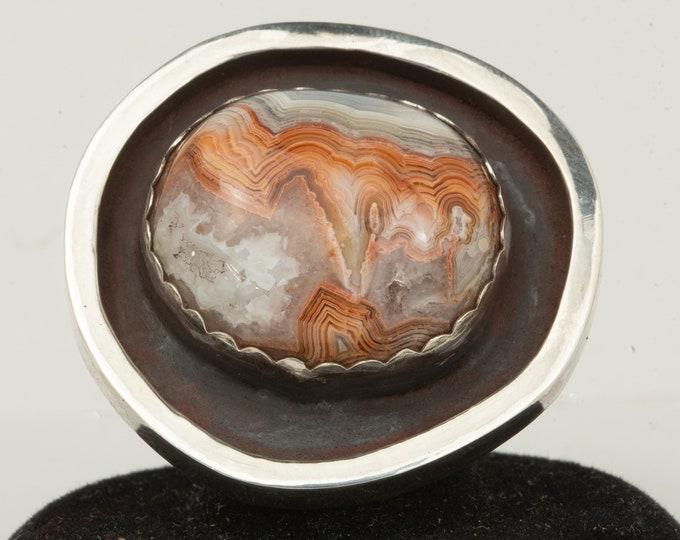 Featured listing image: Chunky Agate Ring With Stone,Cocktail Ring Avant Garde Ring Mothers Day Gift From Daughter, Contemporary Ring Shadowbox Ring