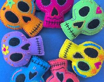 Felt Sugar Skull Ornament Pattern and Tutorial