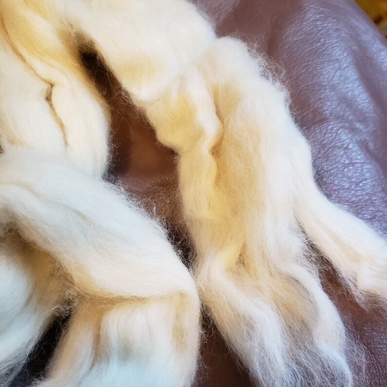 """CRAZY Combed Mink Fur 100/% Roving Natural Off White combed top very soft 1.3/"""""""