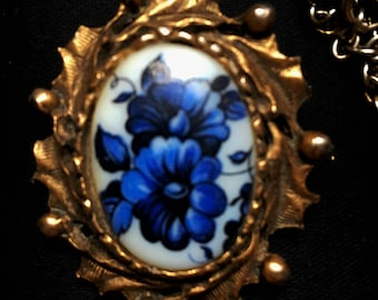 Vintage 1960s  Hand Painted Blue Flower Cameo Pendant Necklace