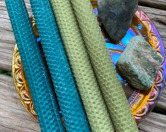 HEART BALANCE - 4 Tall Beeswax Rolled Candles with Labradorite & Fuschite