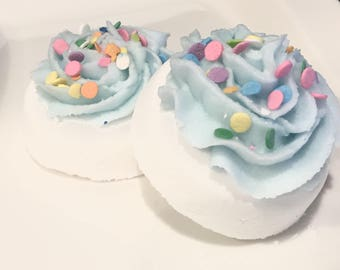 Donut Bath Bomb Fizzy - with bath melt frosting.  Gift for her. gift for woman. gift for friend. Gift for teen. Holiday gift. Birthday gift.