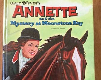 Walt Disney Presents Annette and the Mystery at Moonstone Bay * Doris Schroeder * Adam Szwejkowski * Whitman * 1962 * Vintage Mystery Book