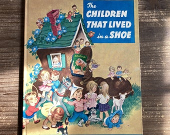 The Children That Lived in a Shoe * Rand McNally Giant Book * Josephine van Dolzen Pease * Elizabeth Webbe * 1961 * Vintage Kids Book