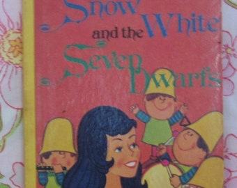 Snow White and the Seven Dwarfs Board Book + Renzo Bartolomucci + Vintage Kids Book
