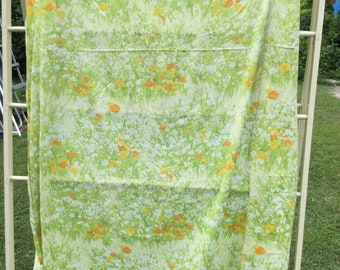 Orange and White Wildflowers in a Field Pattern * Vintage Fitted Sheet