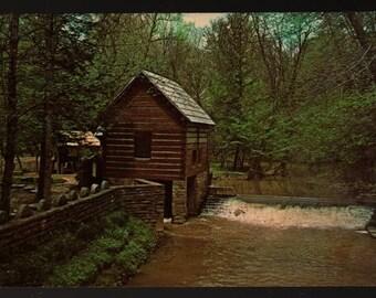 Levi Jackson Wilderness Road State Park – London, Kentucky – Vintage Souvenir Postcard