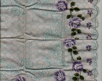 Purple and White Rose Handkerchief with Scalloped Border + Vintage Linens