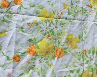 Pretty Wildflower Pattern with Orange, Yellow, and White Flowers * Vintage Fitted Sheet