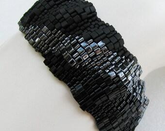 Corrugated Dark Color Ribbon Peyote Cuff (2506)