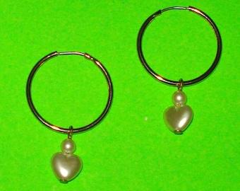 Vintage 1980s Pearl Heart Beaded Gold Hoop Earrings