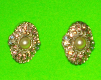 Vintage 1950s Glam Shimmering Rhinestone and Pearl Silver Earrings