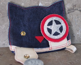 Captn America styled Peek-A-Boo Kitty Leather Pouch