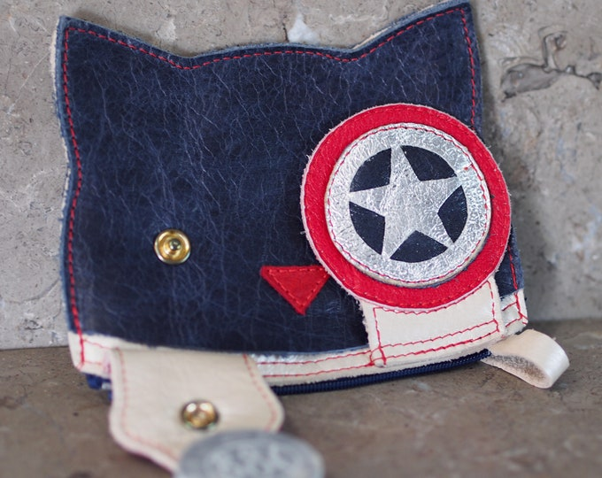 Featured listing image: Captn America styled Peek-A-Boo Kitty Leather Pouch