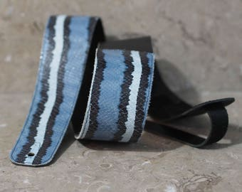 Snake in Blues Leather Guitar Strap