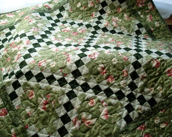 Irish Chain PDF Quilt Pattern, beginning quilter quick strip project, wall hanging size only 33 x 33