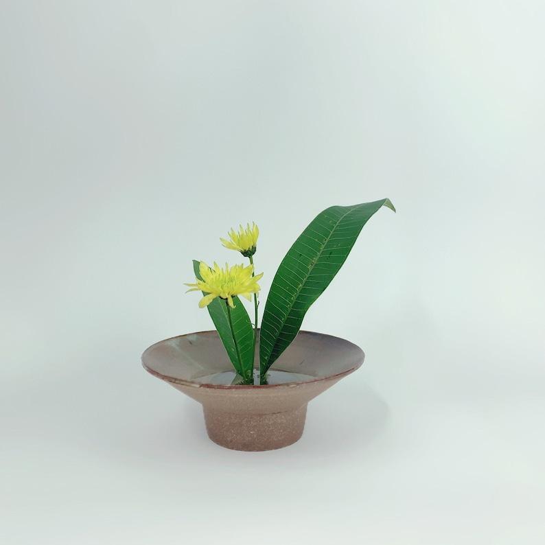 Ikebana fit in frog Vase // Flower Arrangements image 0