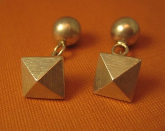 Sterling silver pyramid cufflinks button in style