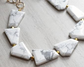Jane - White Howlite Gold Chain Statement Necklace