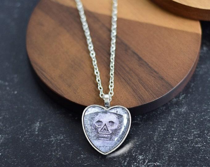 Gothic Skull Heart Pendant Necklace
