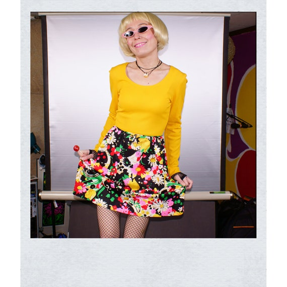 Deadstock 70s Yellow Floral Flower Ribbed Mini Dre