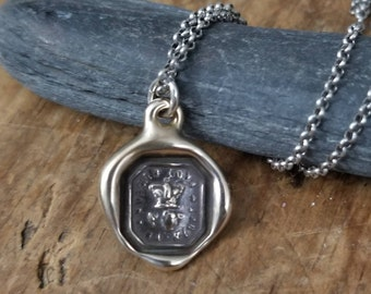 Friendship Necklace of a Rose and Crown - Friendship, Love and Truth - 134