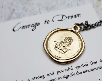Good and beautiful enough 214G Lion Jewelry Gold Wax seal Jewelry with meaning Self Acceptance Lion Necklace with crest in French