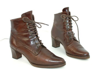 Vtg 90s Joan and David Couture Brown leather Minimalist victorian heel lace up ankle boots women sz 6 N