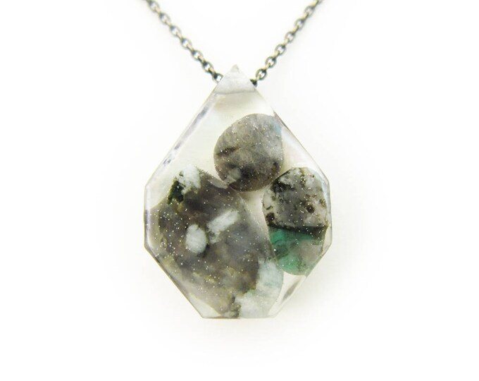 Banded Emerald Eco Resin Tumbled Stone Necklace