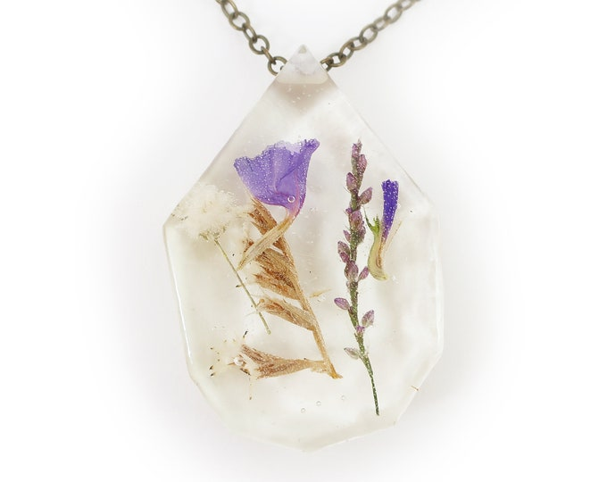 Dried Flower Eco Resin Necklace
