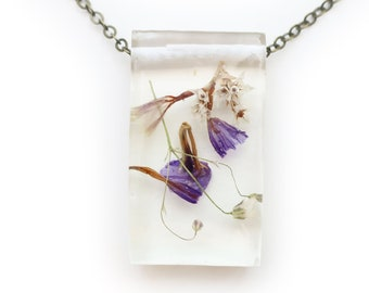 Dried Flower Eco Resin Botanical Necklace   001