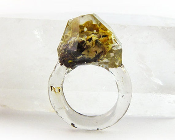 Asymmetrical Faceted Terrarium Ring | Size 5