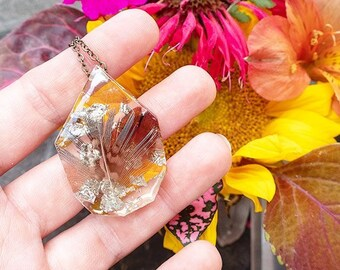 Feather in Resin and Silver Leaf Necklace   005