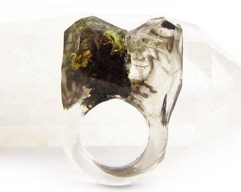 Smoke Lichen Resin Ring   Size 5