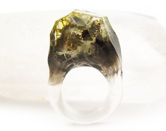 Smoke Lichen Resin Ring | Size 4.5