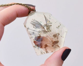 Feather in Resin and Silver Leaf Necklace   004