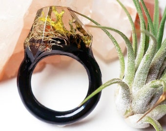 Moss Resin Ring | Size 9