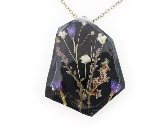 Real Dried Midnight Flower Resin Herbarium Necklace