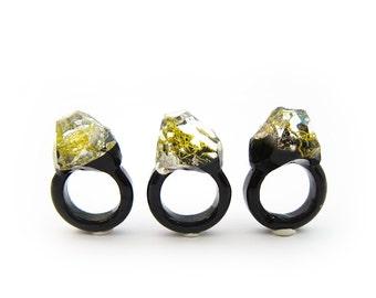 Terrarium Resin Ring   Size 6.5