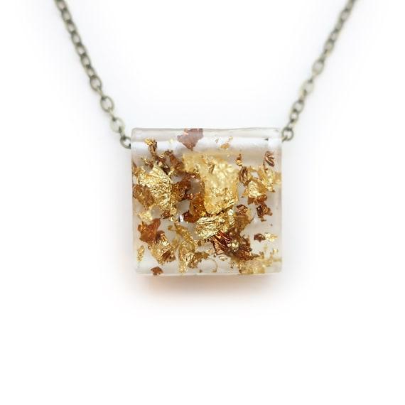 Metallic Leaf Resin Necklace