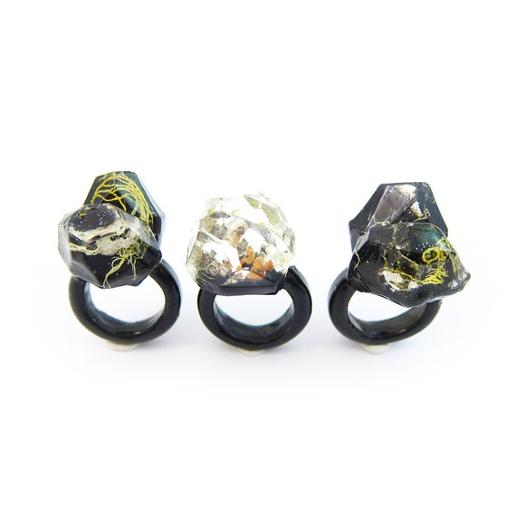 Terrarium Resin Ring   Size 5