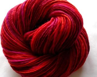 LAVA handspun merino wool single yarn light worsted weight, dk yarn orange red, weaving yarn, all the pretty fibers, 3.5oz/233yds, 100g/210m
